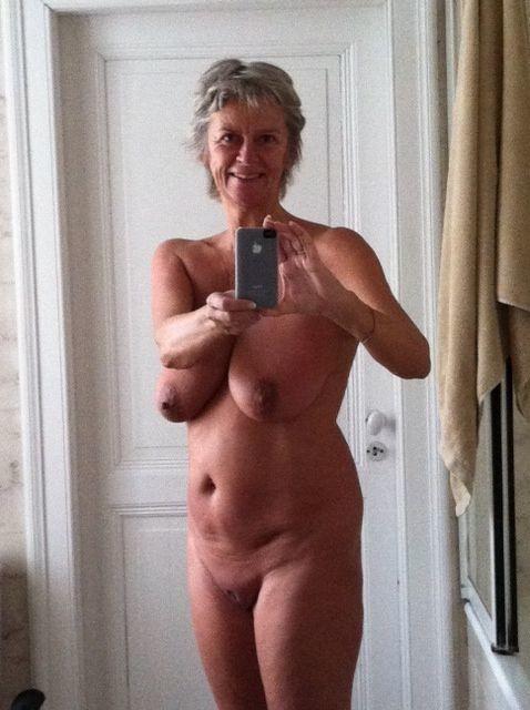 Annonce sexy  Ile-de-France avec une mère de famille disponible de suite